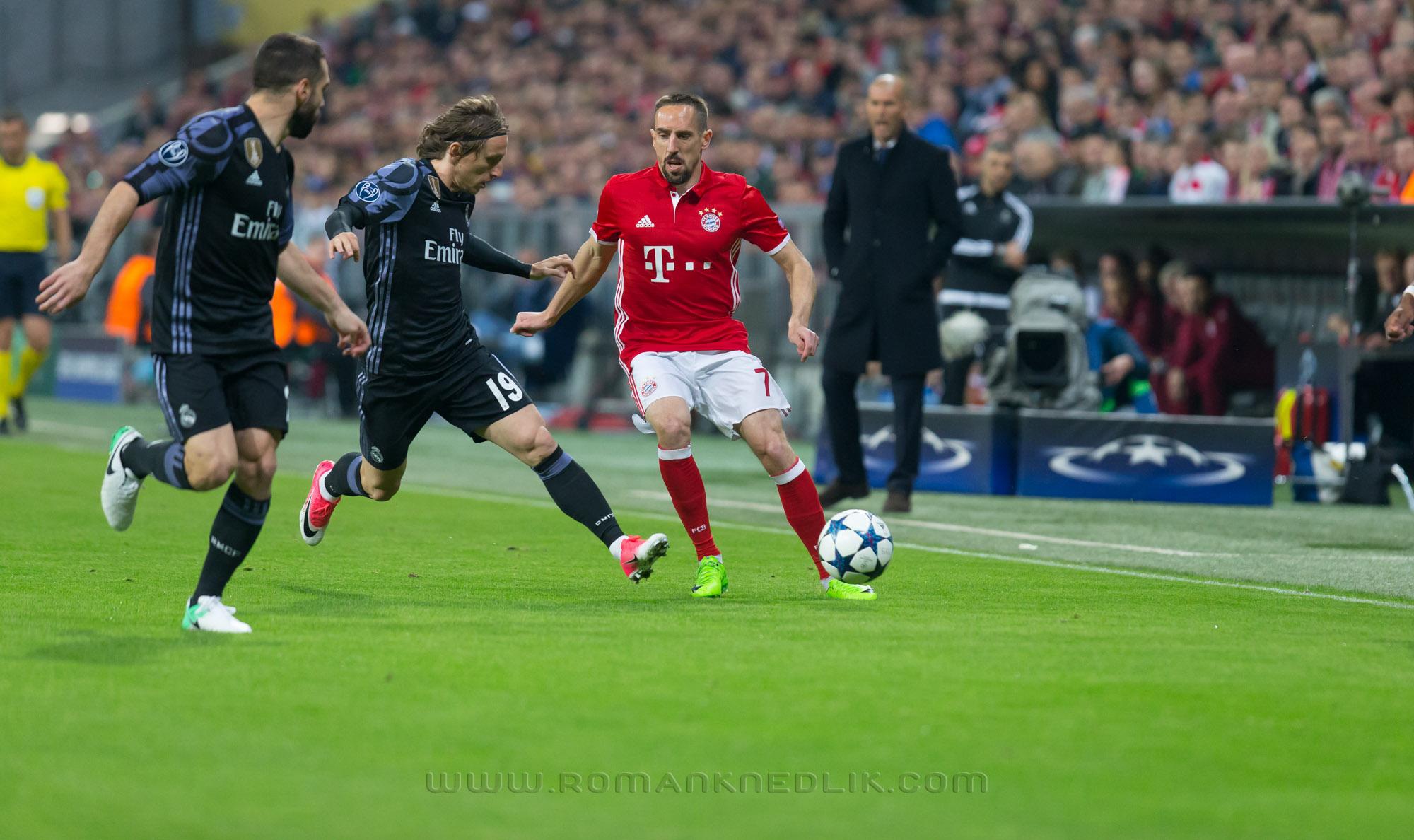 Bayern_Real_LM_12042017-12